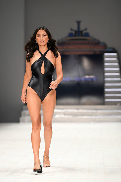 Australian model Jessica Gomes walks the runway wearing creations by Jets during Mercedes-Benz Fashion Week Australia in Sydney, Tuesday, May 15, 2018. (AAP Image/Dan Himbrechts), EDITORIAL USE ONLY