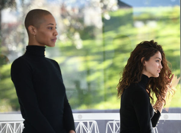 Models Evelyn Yanez (right) and Lucy Play are seen at the David Jones Spring Summer 18 Collections launch in Sydney, Wednesday, July 11, 2018. (AAP Image/Brendan Esposito)