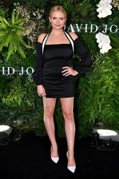 Singer and model Alli Simpson arrives at the David Jones Spring Summer 2018 Collections Launch, in Sydney, Wednesday, August 8, 2018. (AAP Image/Joel Carrett)