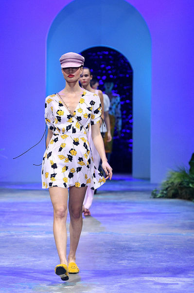 A model walks the runway during the David Jones Spring Summer 2018 Collections Launch, in Sydney, Wednesday, August 8, 2018. (AAP Image/Dan Himbrechts)