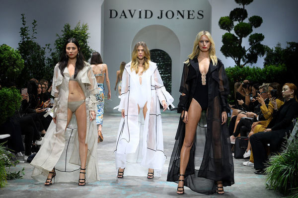 (L-R) Models Jessica Gomes, Victoria Lee and Karolina Kurkova walk the runway during the David Jones Spring Summer 2018 Collections Launch rehearsal, in Sydney, Wednesday, August 8, 2018. (AAP Image/Dan Himbrechts)