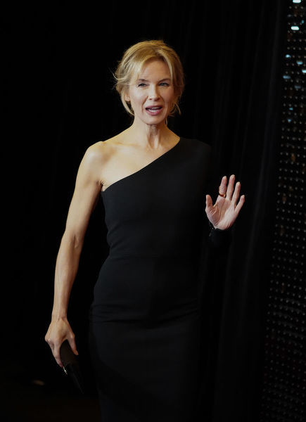 Renee Zellweger arrives during the Australian premiere of Judy at The Capitol in Melbourne, Tuesday, October 8, 2019. (AAP Image/Scott Barbour) NO ARCHIVING