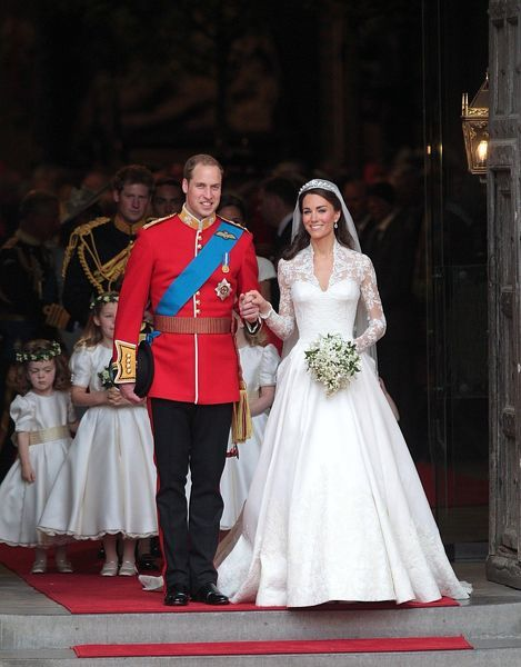 Prince William and his wife Catherine, Duchess of Cambridge emerge from Westminster Abbey after the wedding ceremony