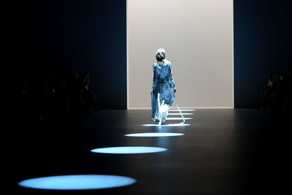 A model walks the runway wearing creations by ALLISAR.H during the St George Next gen show during Mercedes-Benz Fashion Week Australia in Sydney, Wednesday, May 16, 2018. (AAP Image/Dan Himbrechts), EDITORIAL USE ONLY