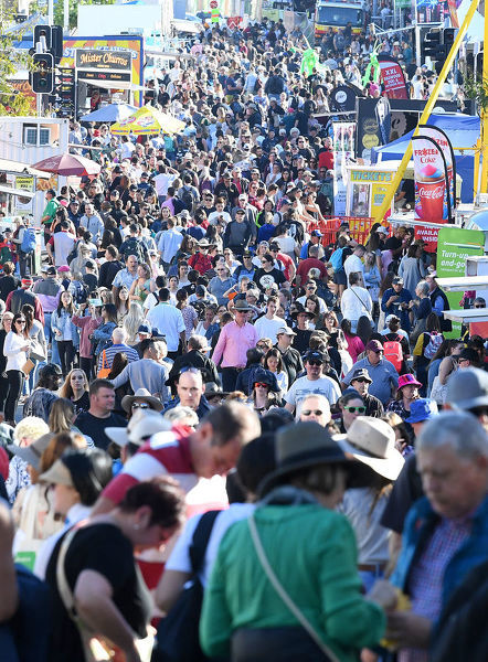 Large crowds are seen at the Queensland Royal Exhibition Show, known locally as the EKKA, in Brisbane, Monday, August 13, 2018. (AAP Image/Dave Hunt)